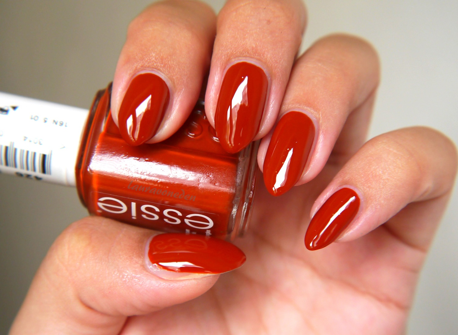 Essie Herbst 2016 - Playing Koi